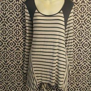 3/$25 Entro Long Sleeve White Striped Blouse Large
